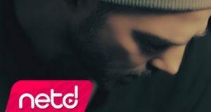 Gökhan Özen – Korkak Dinle – Video Dinle