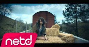 Gülşen – Yatcaz Kalkcaz Ordayım Dinle – Video Dinle