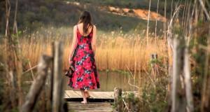 Yeni Türkü – Sezenler Olmuş Dinle – Video Dinle