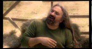 Volkan Konak – Yarim Yarim Dinle – Video Dinle