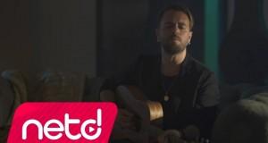 Emre Aydın – Beni Vurup Yerde Bırakma Dinle – Video Dinle