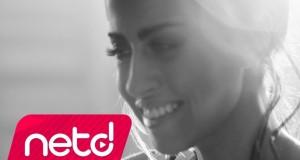 Derya Uluğ – Nabız 180 Dinle – Video Dinle