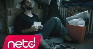 Murat Poyraz – Aşkımıza Ne Oldu Dinle – Video Dinle