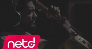 Cemal Özkızıltaş feat. Cafer Nazlıbaş – Derya Kenarında Bir Ev Yapmışam Dinle – Video Dinle