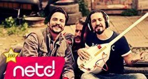 Doğukan Manço feat. Tuğba Yurt – Sakin Ol Dinle – Video Dinle