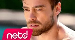 Murat Dalkılıç – Bu Nasıl Aşk Dinle – Video Dinle