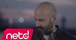 Onur Şener – Sel Suyu Dinle – Video Dinle