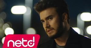 Mustafa Ceceli – Geçti O Günler Dinle – Video Dinle
